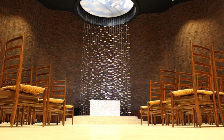 eero saarinen mit chapel interior