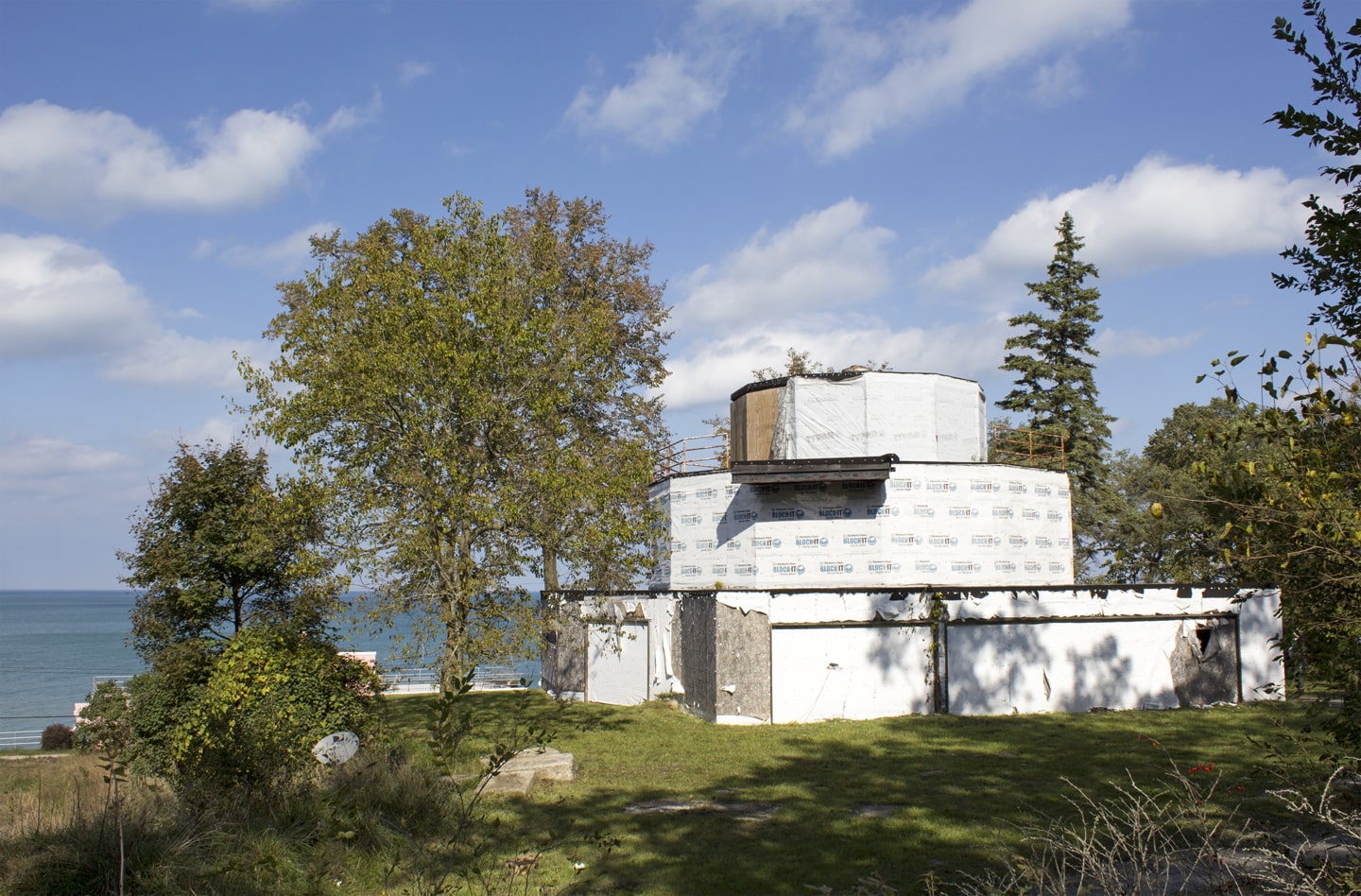 As it stands now, the House of Tomorrow is neglegted and in need of extensive repair. National Treasure distinction will help raise awareness of its architectural significance and ensure its future. Image courtesy of Indiana Landmarks.