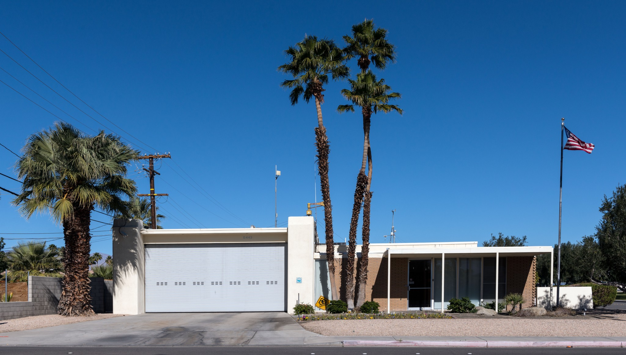 Kaptur designed Fire Station 3 in Palm Springs. Photography by Carol M. Highsmith [Public domain]/Wikimedia Commons