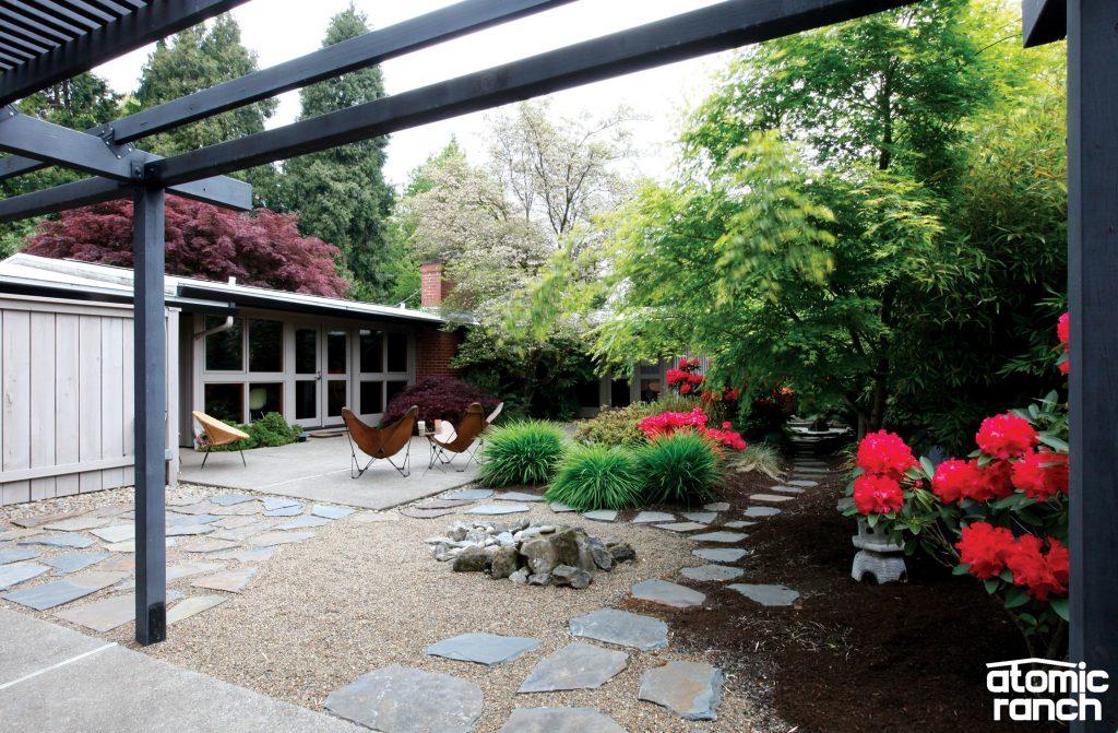 Cliff May backyard with pergola