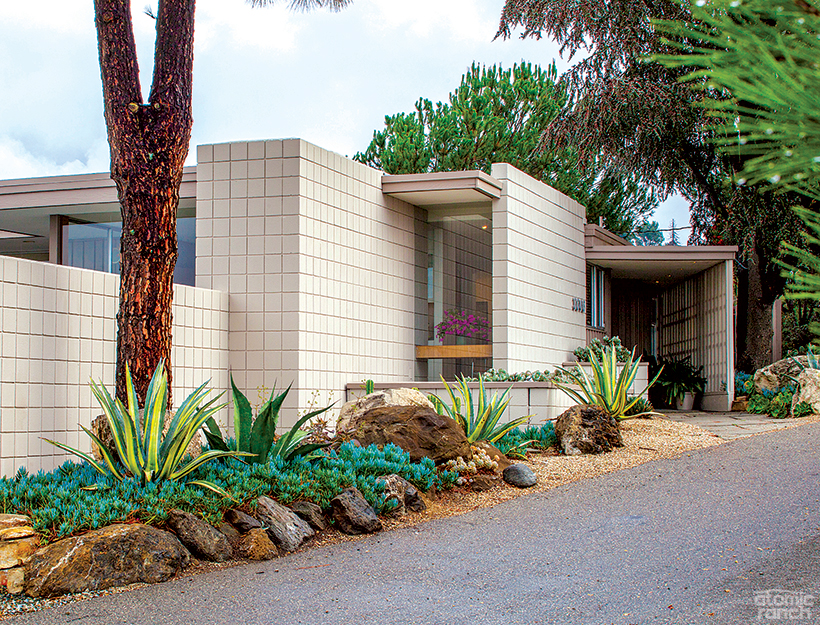 12 Incredible Midcentury Exteriors + 5 Curb Appeal Ideas