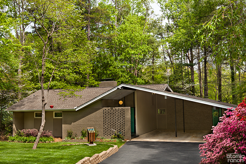 12 Incredible Mid Century Exteriors + 5 Curb Appeal Ideas on