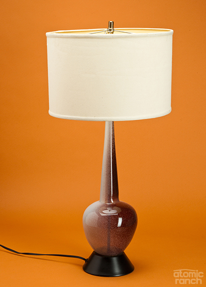 Mold-blown lamp with drum shade