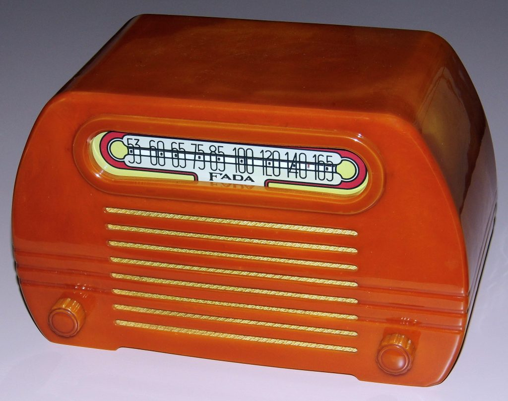 Catalin radio fada model 652