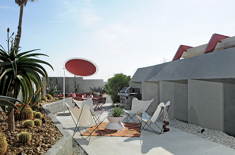 Hotel Lautner patio