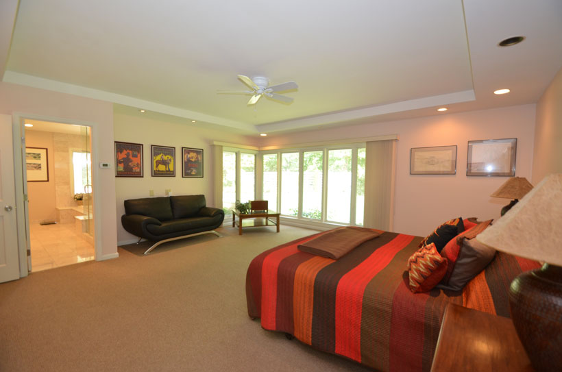 Master suite Warren Holly