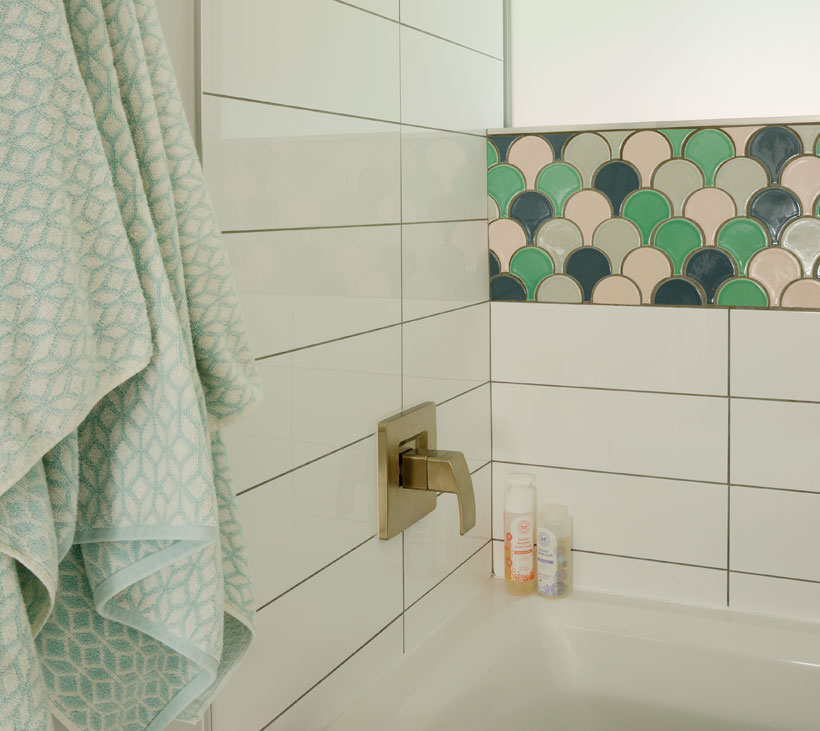 Palm Desert bathroom plume shaped tile