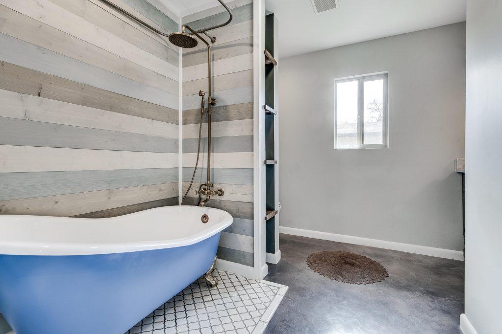 Austin Texas guest bath