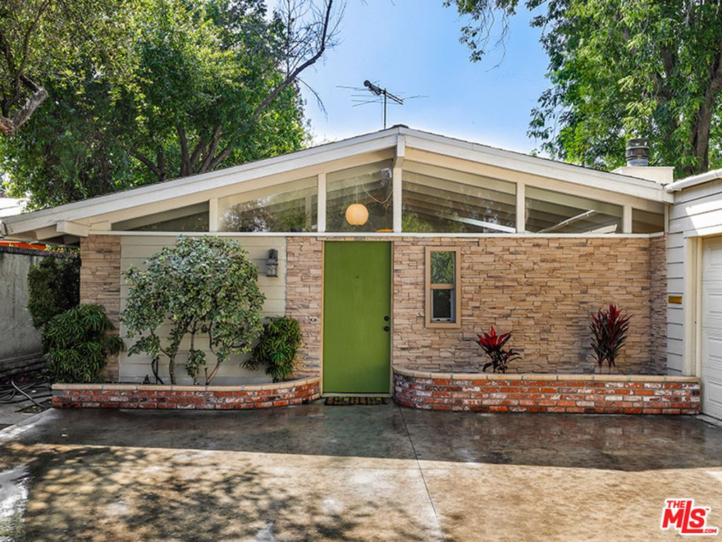 10 Midcentury Dream Homes Currently for Sale - Home
