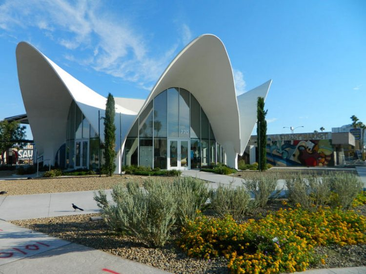 The La Concha Visitor's Center in Las Vegas, featuring a swooping architectural roof as a part of the many mid-mod towns.