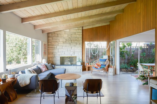 Bright open midcentury living room by interior designer Jessica Hansen