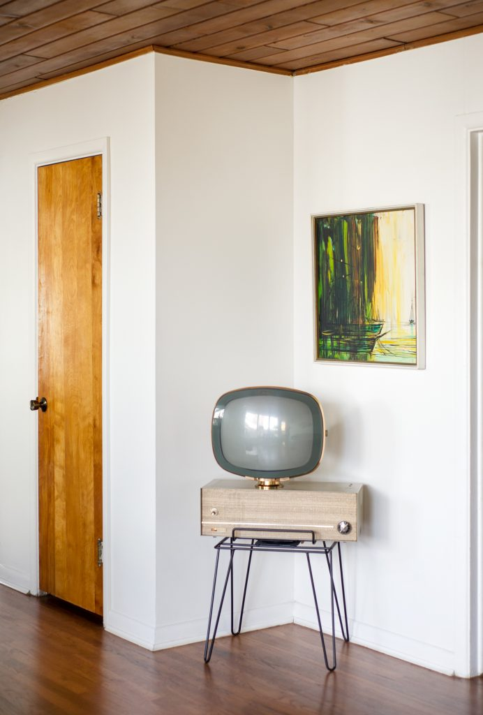 Atomic Ranch Midcentury Modern furniture Rob Baker Boise, ID home shot for Atomic Ranch, Allison Corona photo
