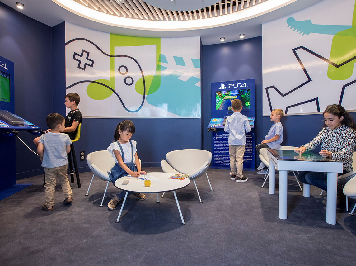 This entertainment-filled kids area is located in the new Air France business lounge at the Charles de Gaulle Airport in Paris.