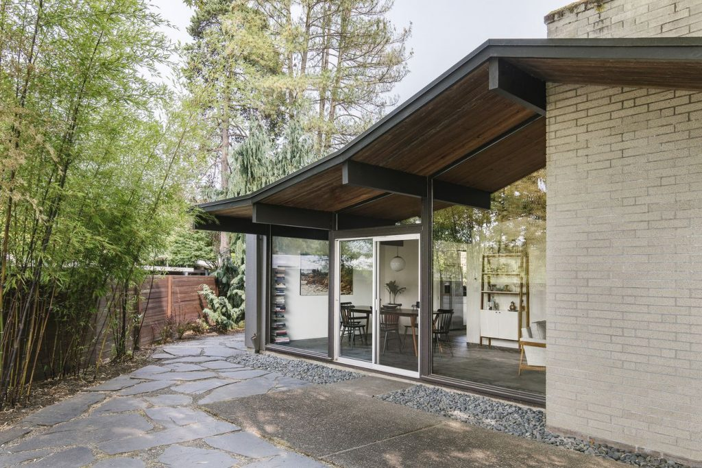 Midcentury Home in Portland Atomic Ranch