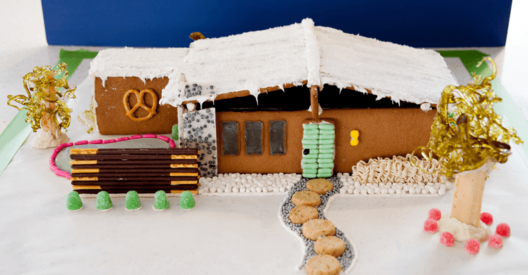Gingerbread houses are holiday staples, but you've never seen them quite like this. Meet the gingerbread house of a true mid century enthusiast. Atomic Ranch
