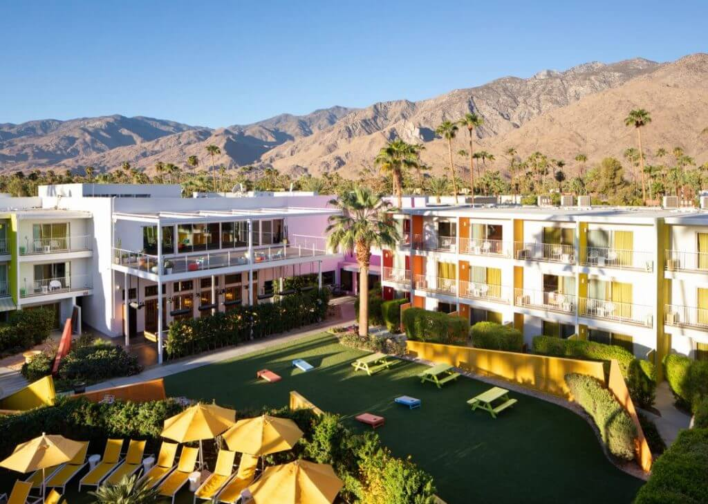 Fill out your schedule with these unique and free Modernism Week experiences that won't hurt your wallet. #atomicranch #midcentury #modernismweek #palmsprings #saguaro