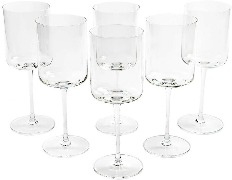 Kitchen and dining crystal wine glasses.