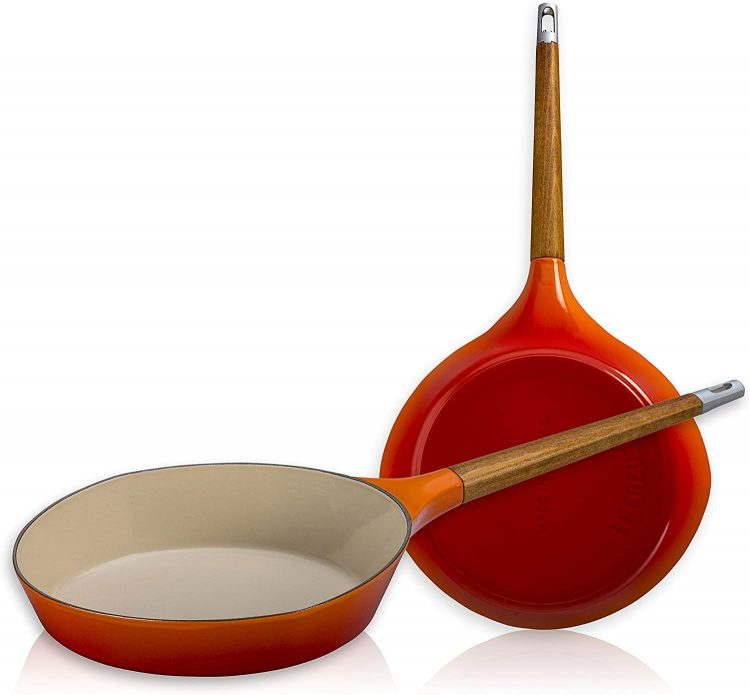 An orange pan.