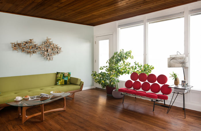 Mid Century Modern Living Room with authentic mid century furnishings