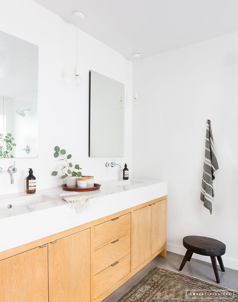 minimal mid century modern bathroom
