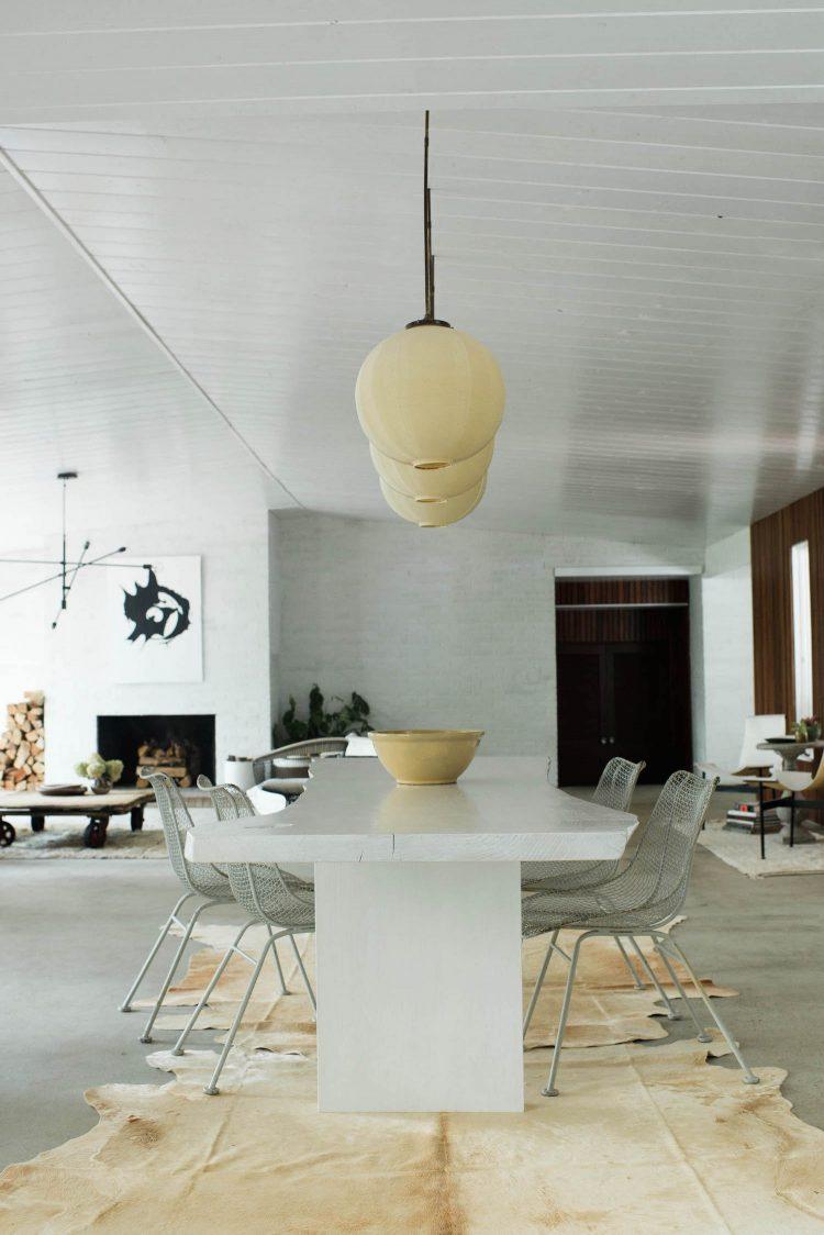 minimal mid century modern dining room