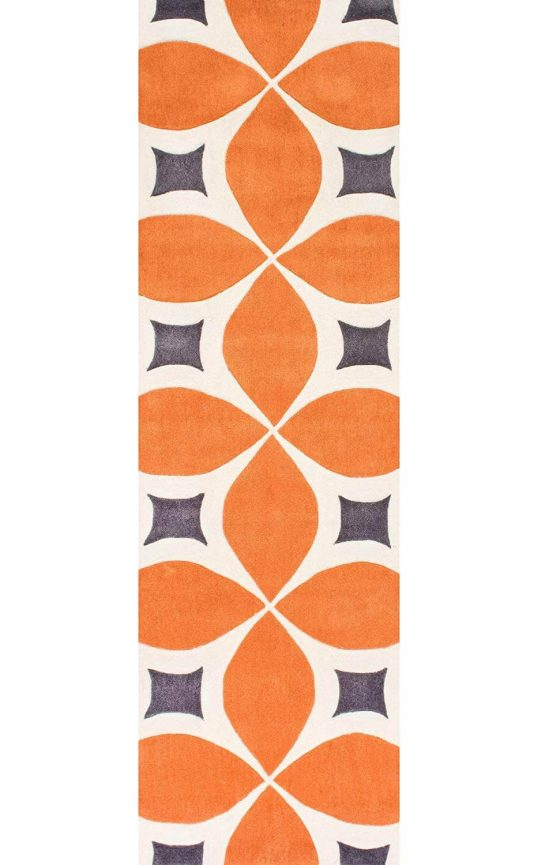 An interlooping-oval mid-century rug with orange detailing.