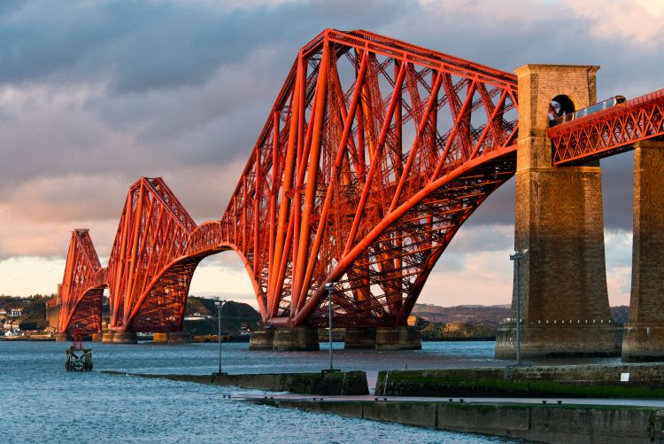 forth rail bridge cantilever