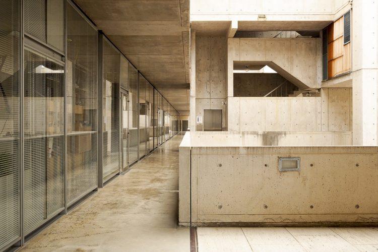 exterior salk institute