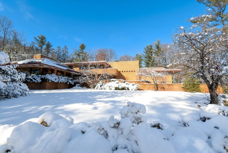 marvelous mrs. maisel home exterior in the snow