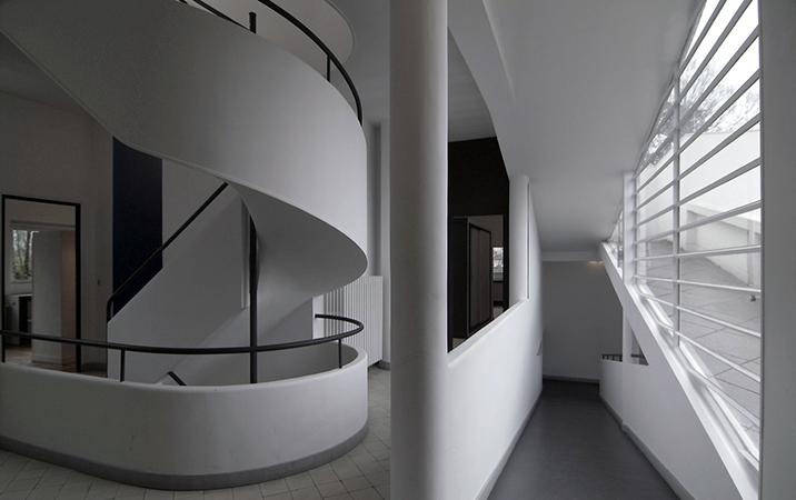 villa savoye interior stairwell