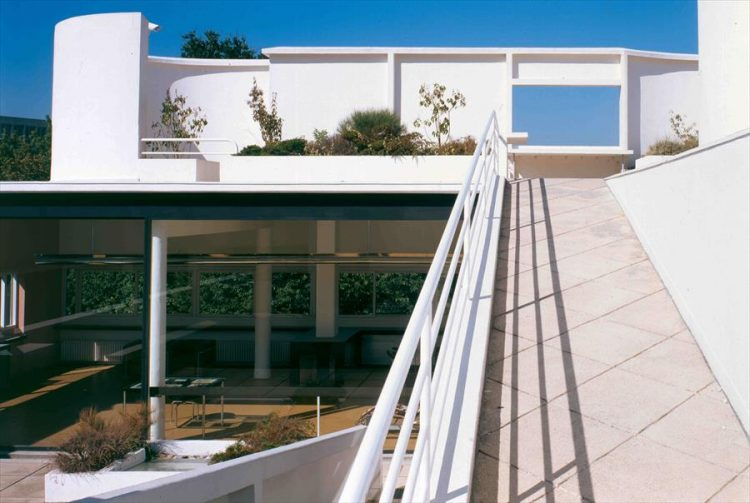 villa savoye ramp and terrace