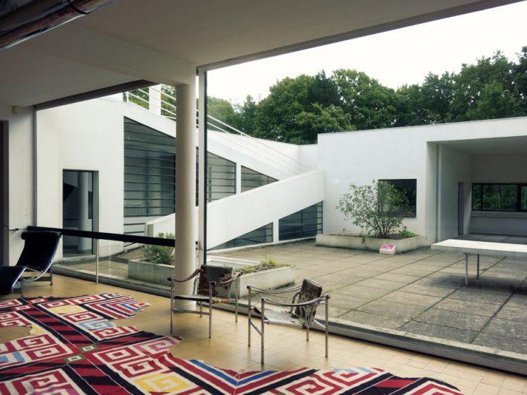 villa savoye interior courtyard