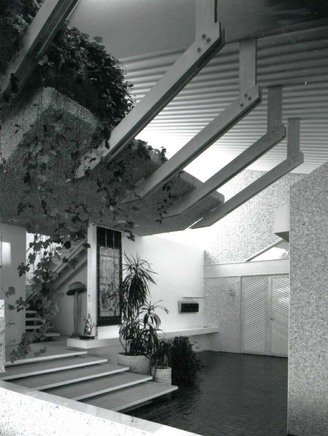 The entryway of the Dean Residence by Paul Rudolph.