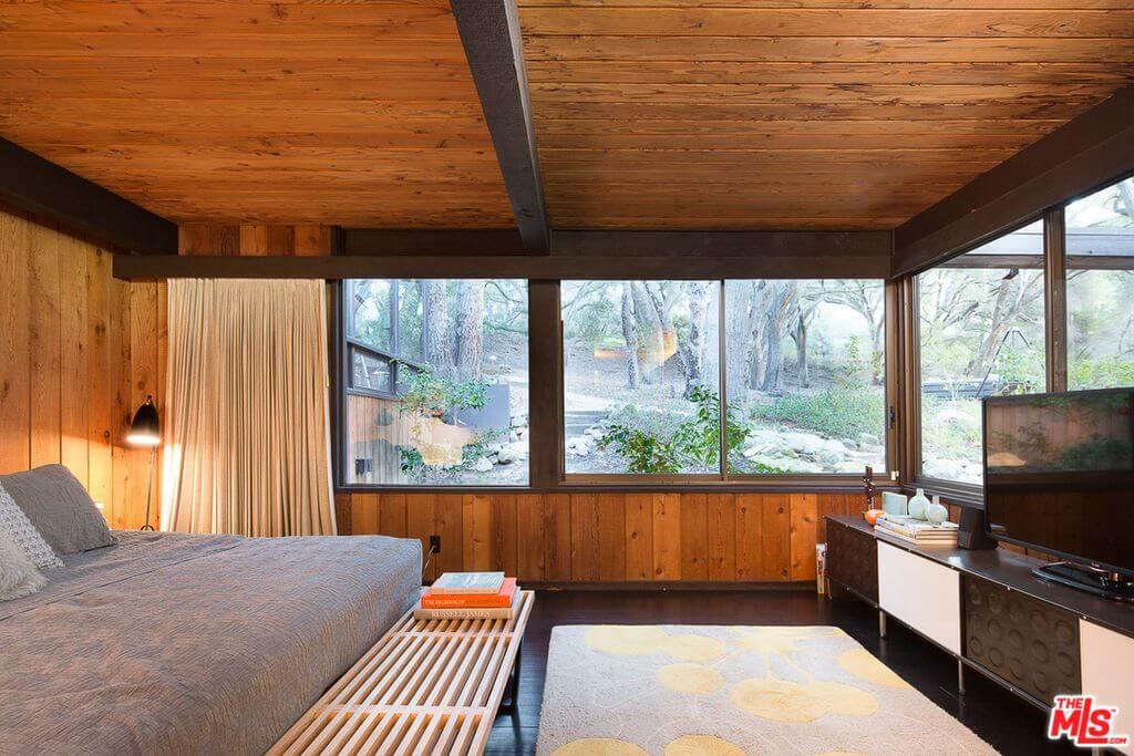 1973 Calabasas home bedroom