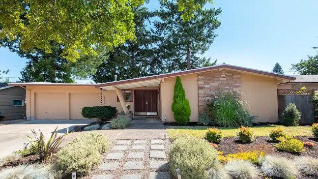 Swank Mid-Century Modern Portlandia Home