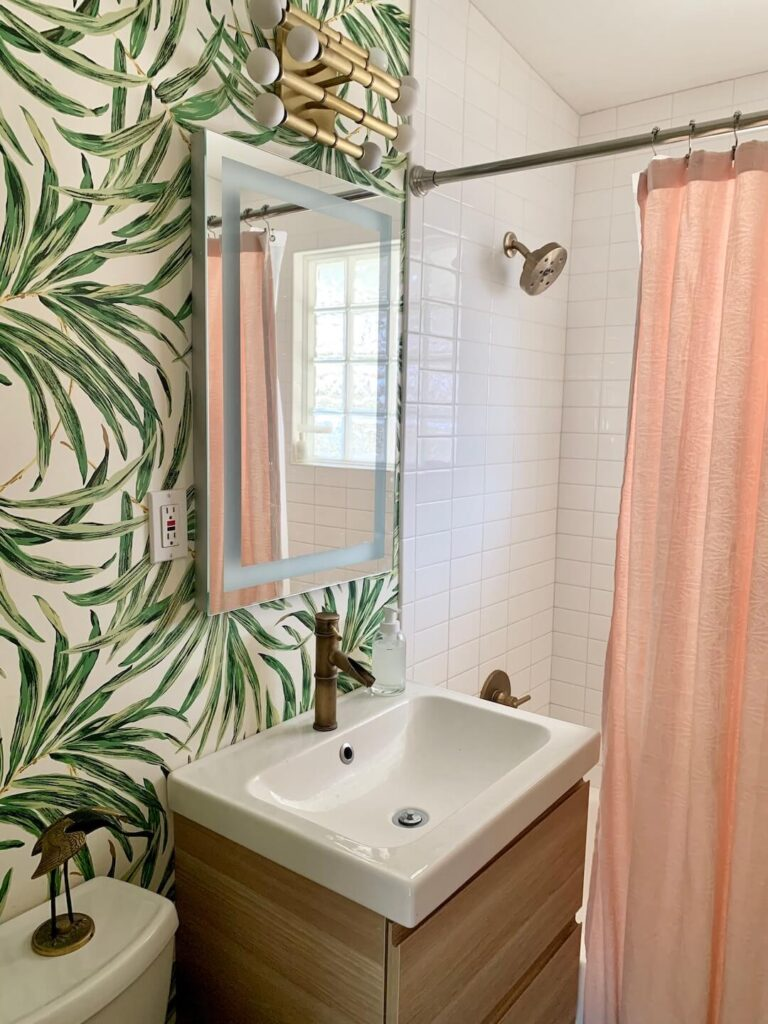 tropical MCM bathroom