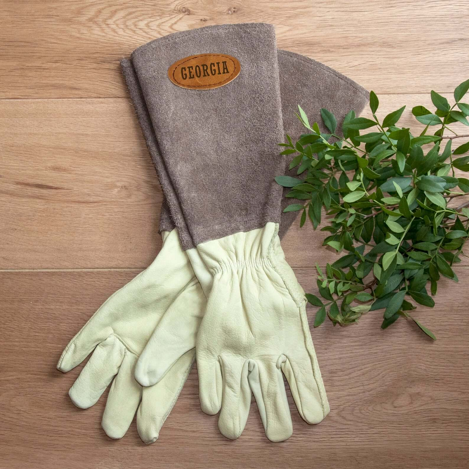 Personalized suede and leather gardening gloves