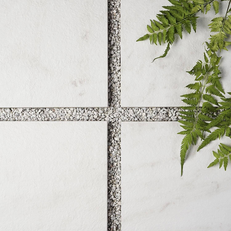 Calcatta porcelain pavers for outdoor garden