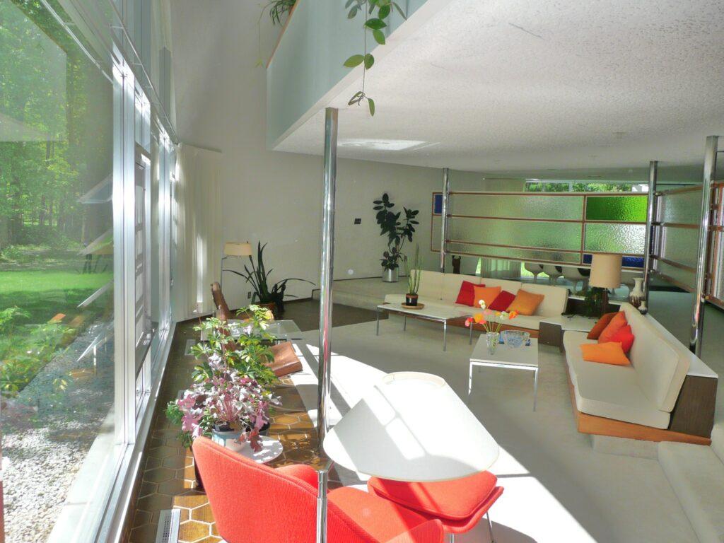 Robert Schwartz Dome Home living room